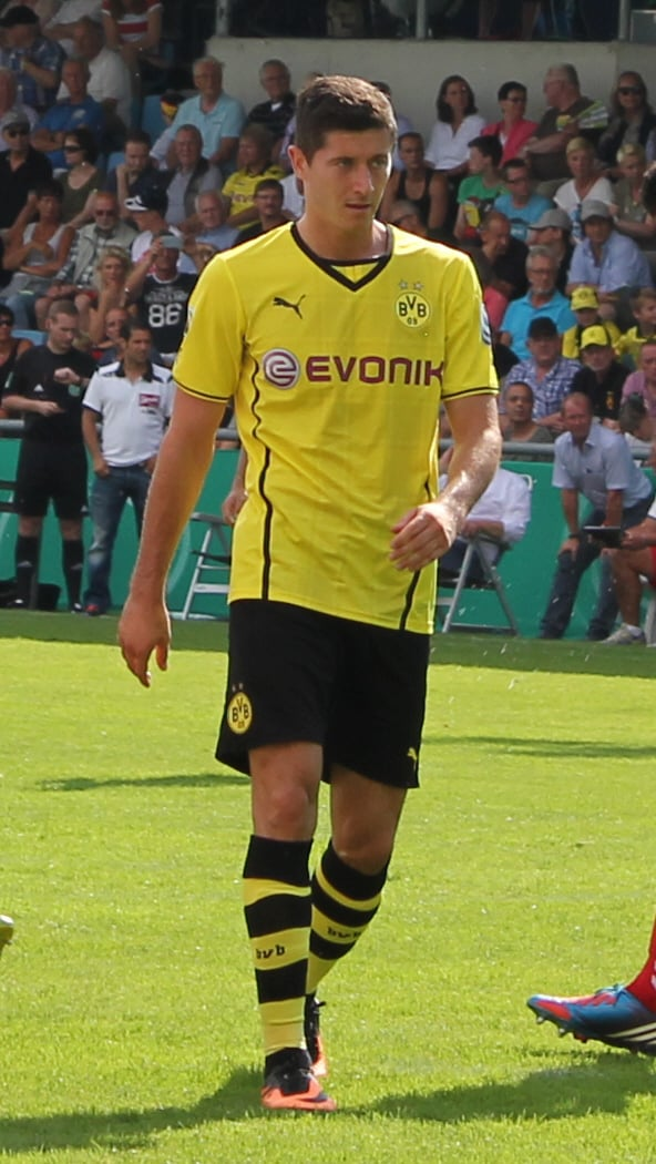 Robert_Lewandowski_2013_in_Wilhelmshaven