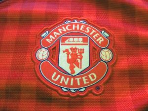man u badge